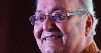 সৌমিত্র চট্টোপাধ্যায় : সত্যজিত রায়ের 'অপু' যেভাবে 'ফেলুদা' হয়ে উঠলেন