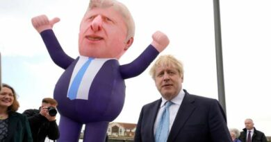 PM greets inflatable version of himself