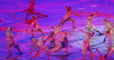 টোকিও অলিম্পিকস: দর্শকশূন্য স্টেডিয়ামে উদ্বোধনী অনুষ্ঠান শুরু